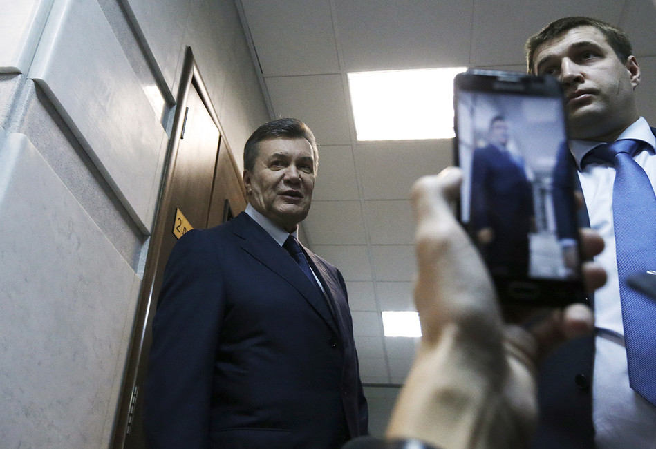 «Допрос Януковича— политическое шоу, которое выгодно всем»
