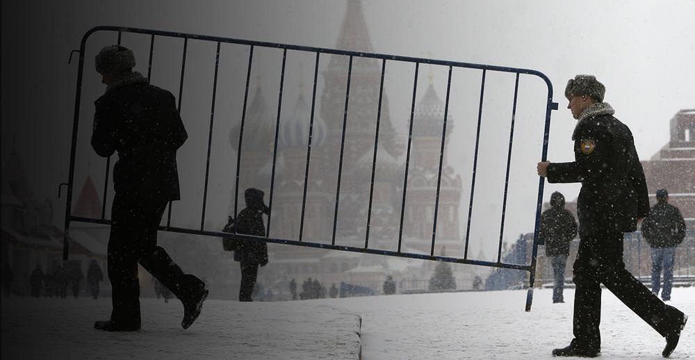 «Вышли заворота Кремля— икак все». ЦУР поговорил ожизни ссотрудником ФСО