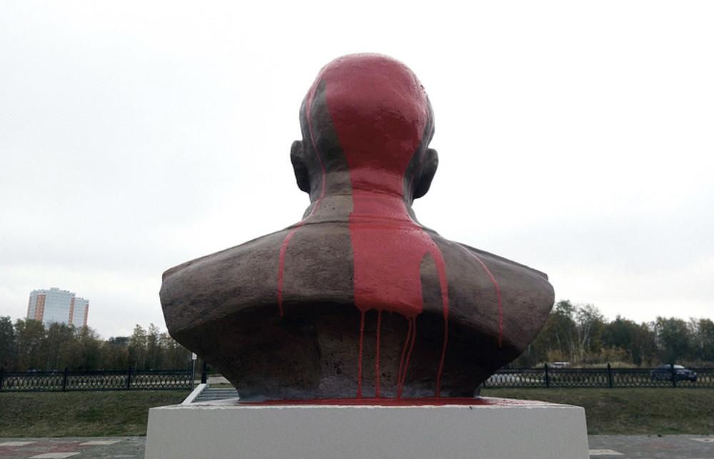Где купить краску Выборгскаяы памятников спб в памятники на могилу из гранита фото и цены