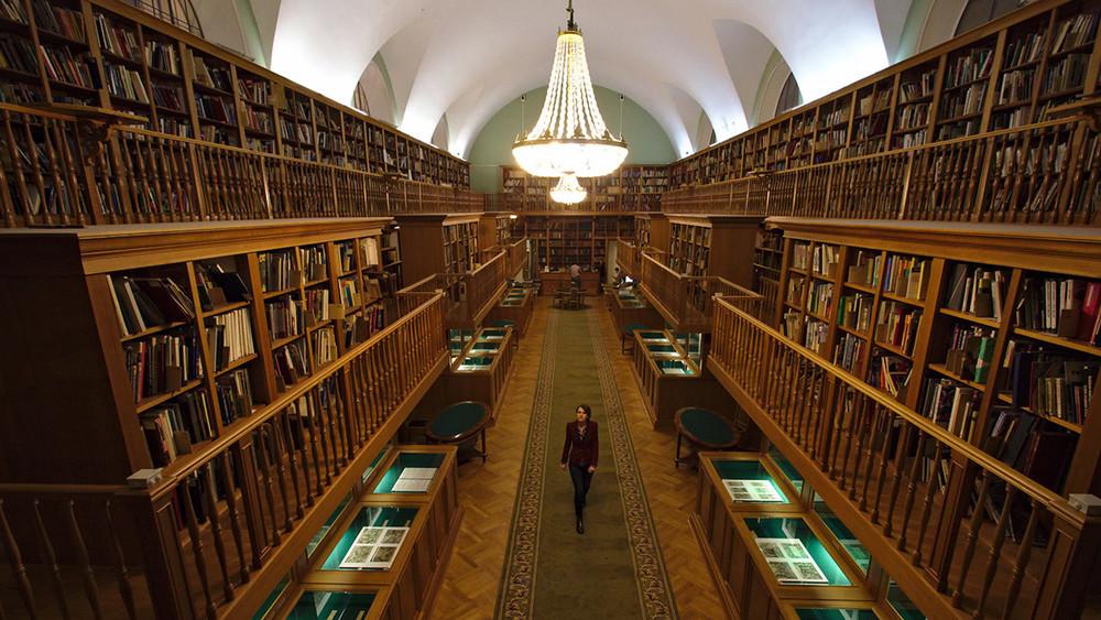 «Нетолько Гитлер». Литературовед судится сбиблиотекой из-за нарушений прав граждан наинформацию