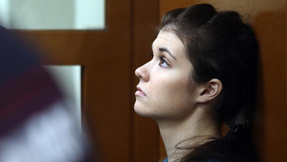 Мама Варвары Карауловой: они так боятся 19-летнюю девочку