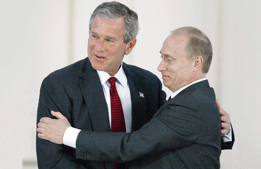 Владимир Путин иДжордж Буш, 2003год. Фото: Дмитрий Азаров/ Коммерсантъ