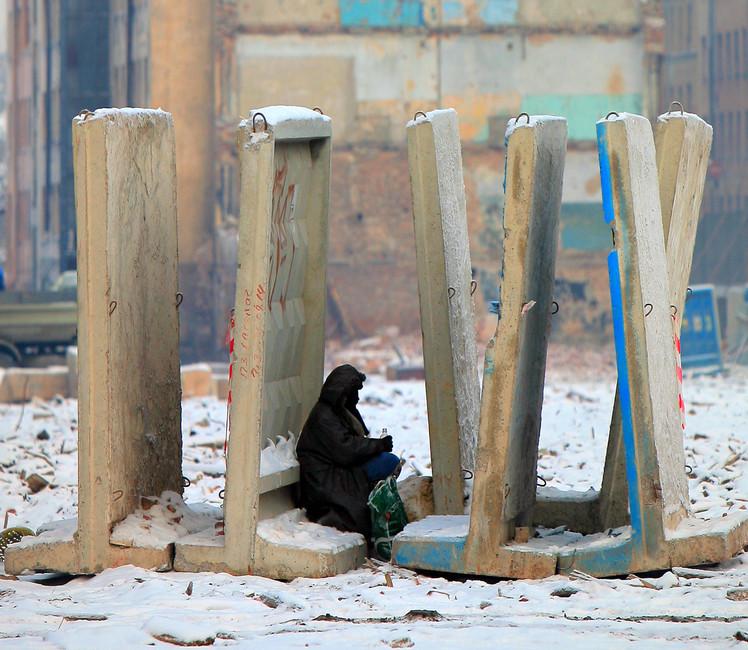 «Зимы унас теплее нестали». Около тысячи бездомных ежегодно умирают зимой вПетербурге