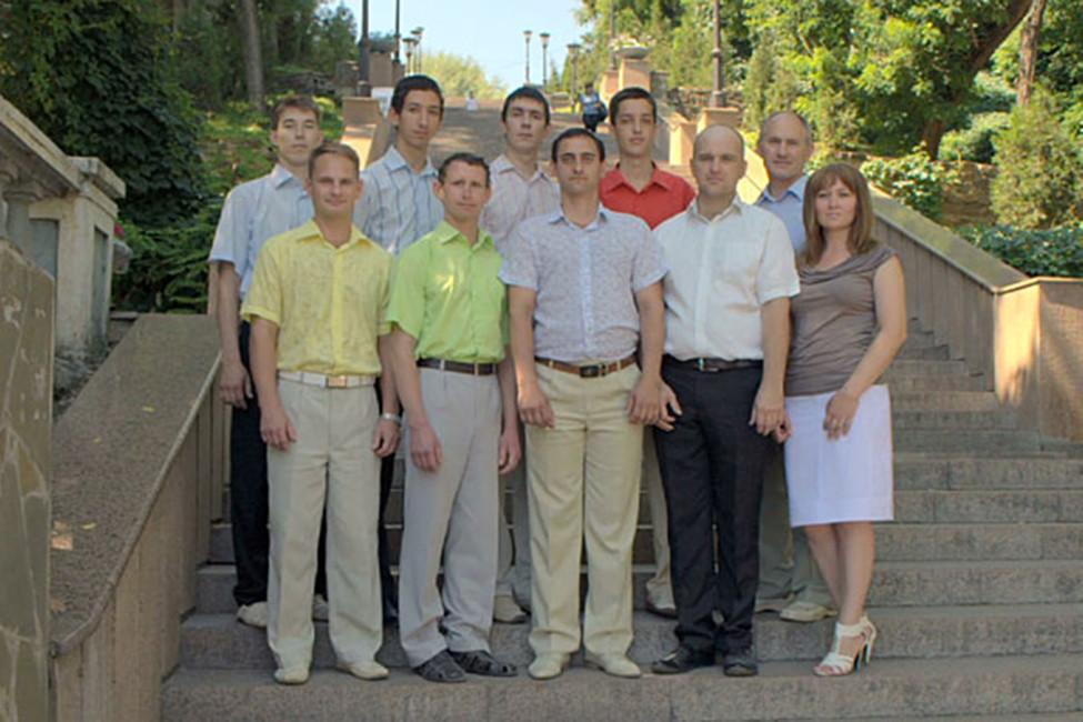 Десять изшестнадцати обвиняемых поделу свидетелей Иеговы вТаганроге. Кадр: видео, предоставленное обвиняемыми свидетелями Иеговы