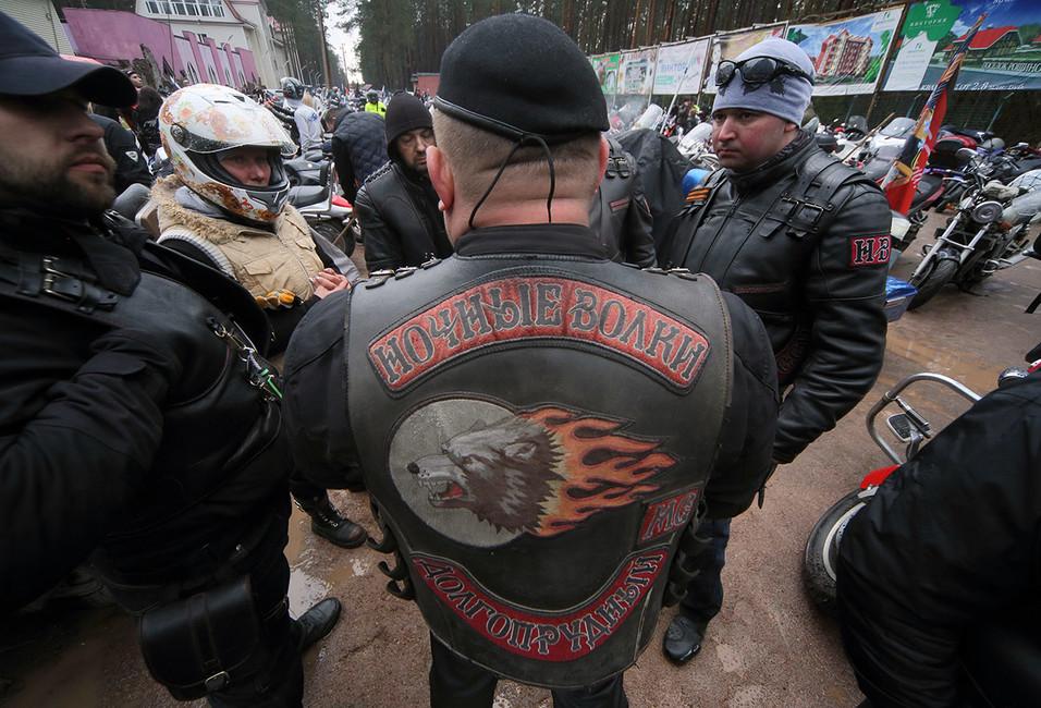Дипломатия «волков». Как байкеры Хирурга борются снепатриотичными мотоклубами врегионах