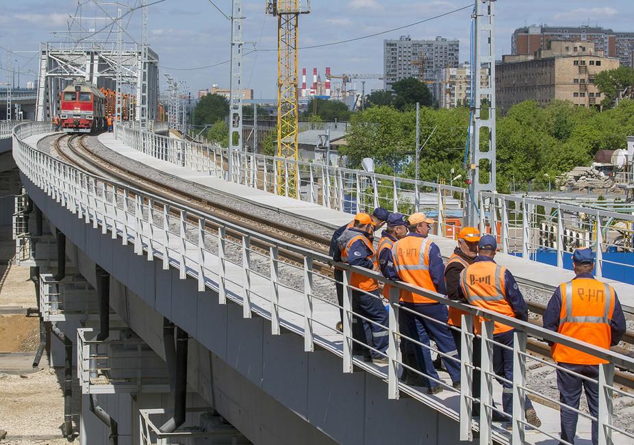 Жизнь взаймы: 1,5 тысячам строителей метро иМЦК неплатят полгода