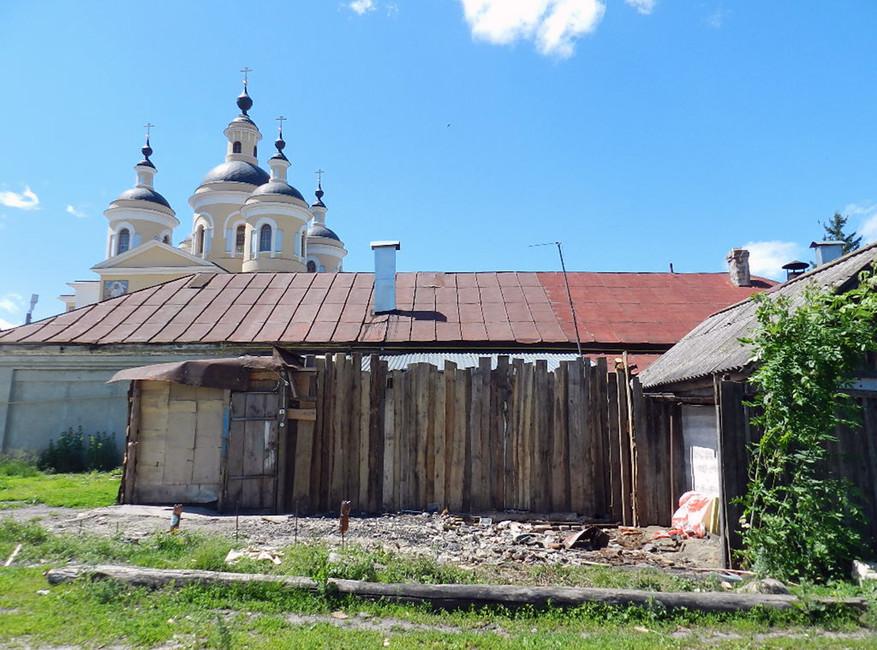 Наместе снесенного сарая Николаевых. Фото: Екатерина Вулих