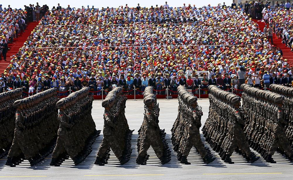Народно-освободительная армия Китая вовремя военного парада. Фото: Damir Sagolj/ Reuters