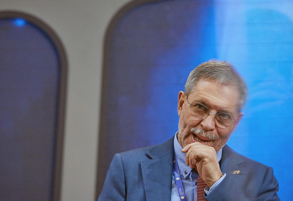 Что происходит вголове пресс-секретаря «Роснефти» Михаила Леонтьева
