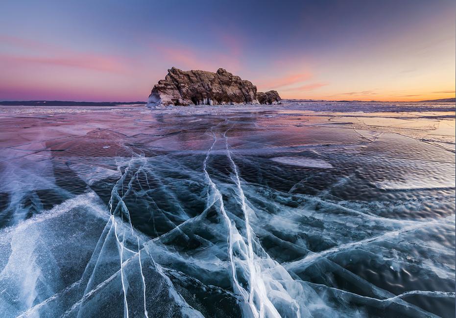 Озеро Байкал. Фото: Антон Петрус/ BarcroftMedia/ TASS