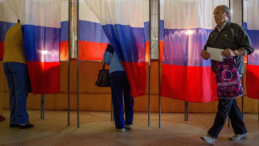 Дмитрий Орешкин: «Выборы будут фальсифицированы, других вариантов власти неостается»