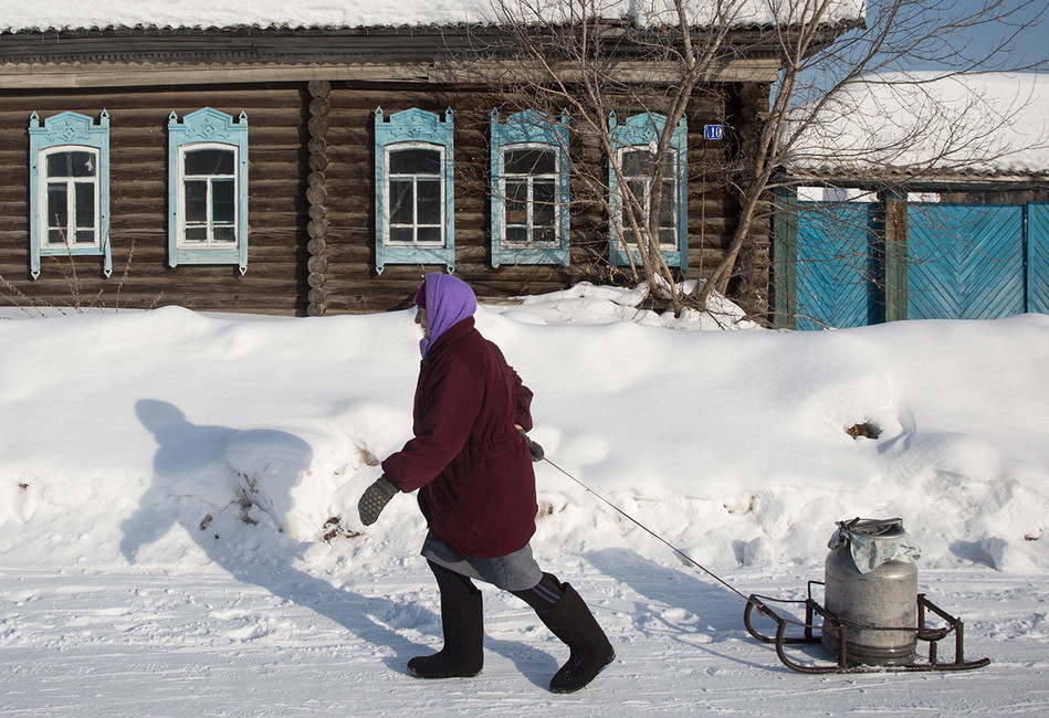 Социолог Юрий Плюснин— отом, почему вРоссии бедных нет