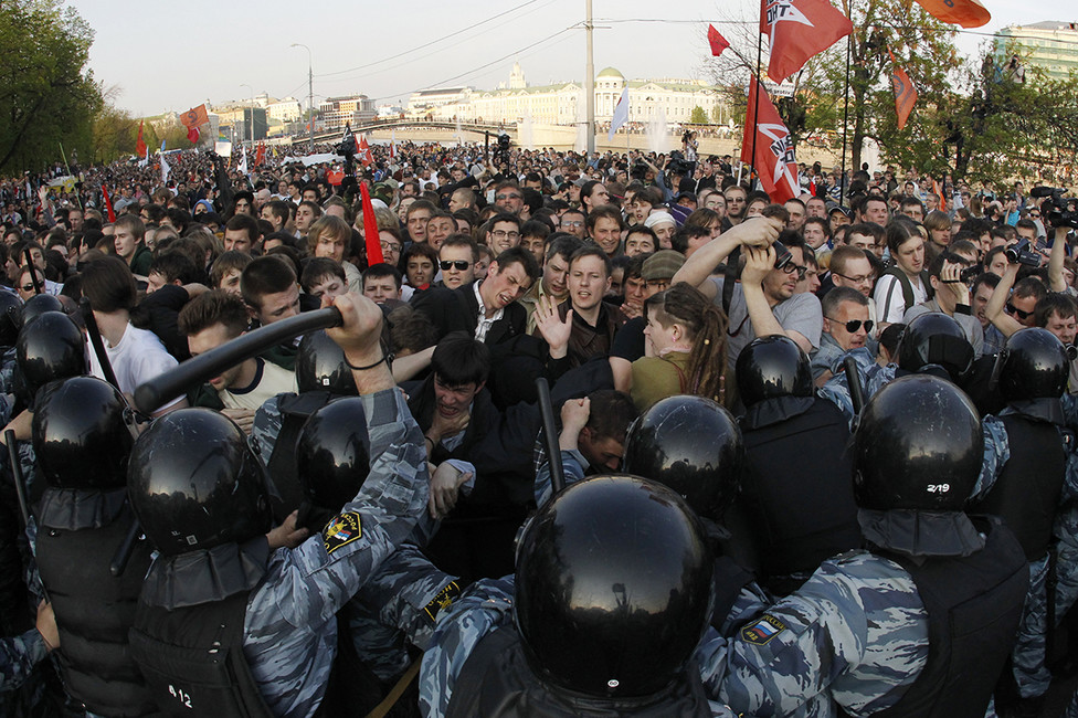 Вовремя акции «Марш миллионов» наБолотной площади вМоскве. 6мая 2012. Фото: Михаил Воскресенский/ Reuters