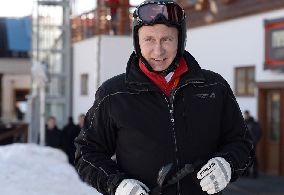 Россия без Путина: Вдень памяти Бориса Немцова президент катался налыжах вКазахстане