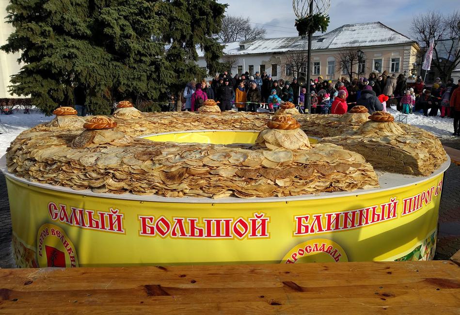 Самый большой блинный пирог вмире может оказаться насвалке