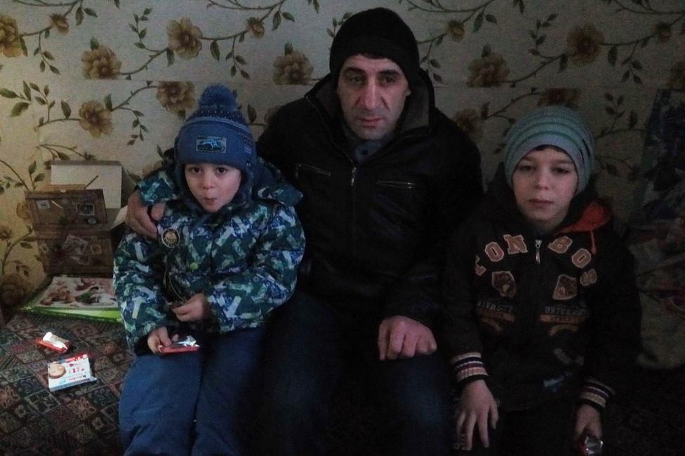 Муса Мамедов сосвоими сыновьями. Фото: изличного архива