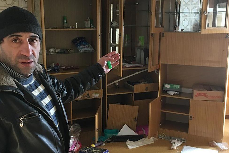 Муса Мамедов всвоей квартире. Фото: изличного архива