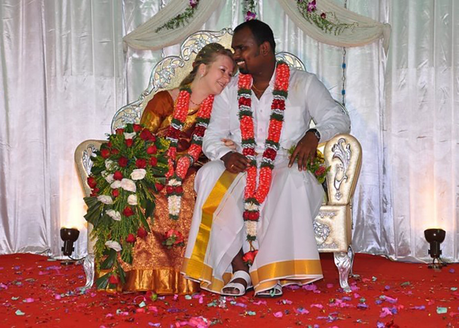 Викторимманувел Мани сосвоей женой. Фото: личная страница Вконтакте
