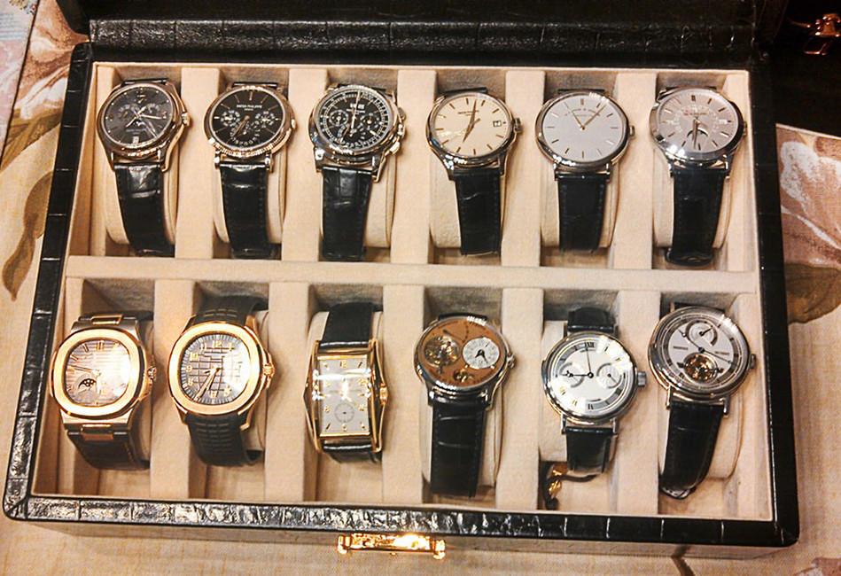 Часы, изъятые входе обысков убывшего губернатора Сахалинской области Александра Хорошавина. Фото: Следственный Комитет РФ/ ТАСС