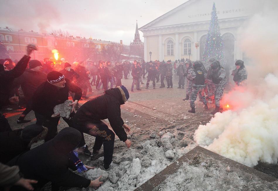 Акция впамять обЕгоре Свиридове наМанежной площади в2010году. Фото: Максим Шеметов/ ТАСС