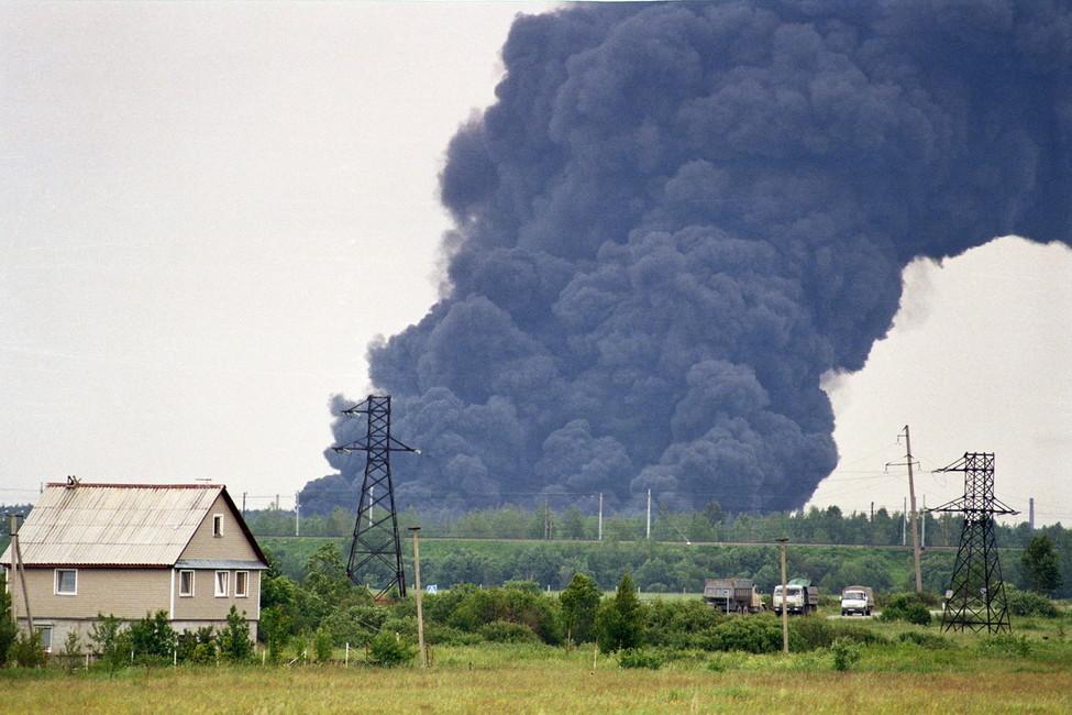Пожар наполигоне токсичных отходов «Красный бор», 2011год. Источник: ekogradmoscow.ru