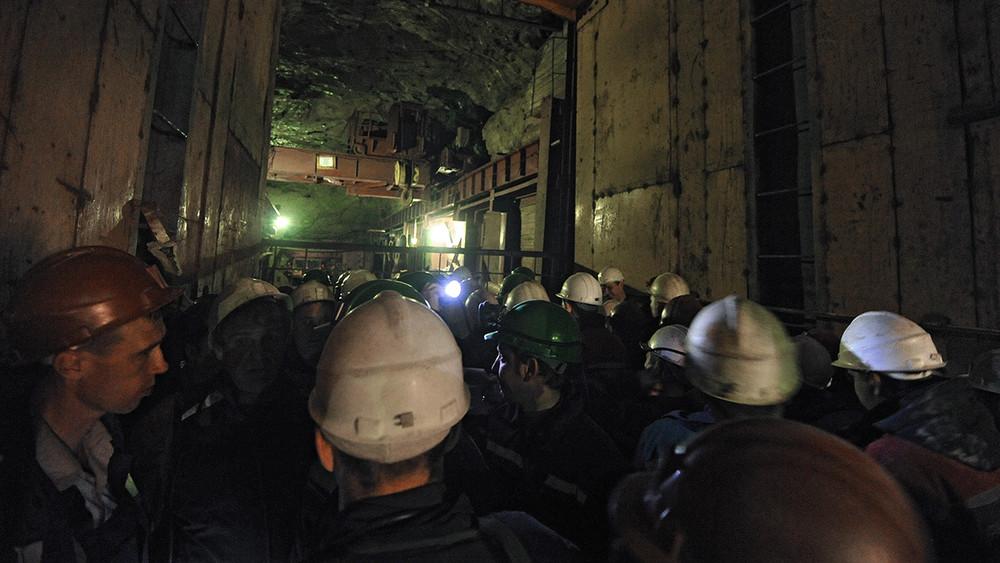 Гуковские шахтеры: доосени доживут невсе