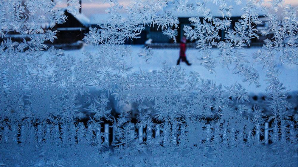 Омск. Вдачном поселке 15семей вторые сутки живут без тепла при температуре вминус20