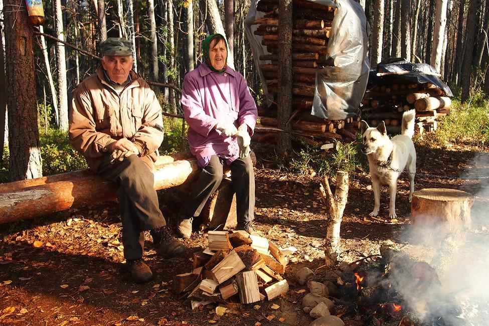 Супруги Дийковы влагере «сунских партизан». Фото: Валерий Поташов