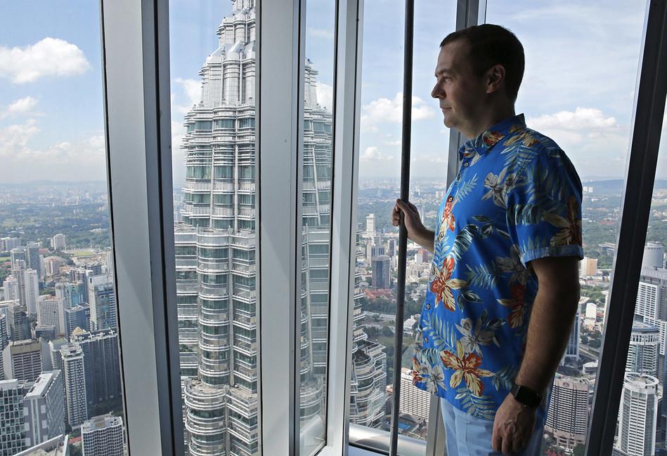Аббас Галлямов: «Путин выбирает время, когда отправить Медведева вотставку»