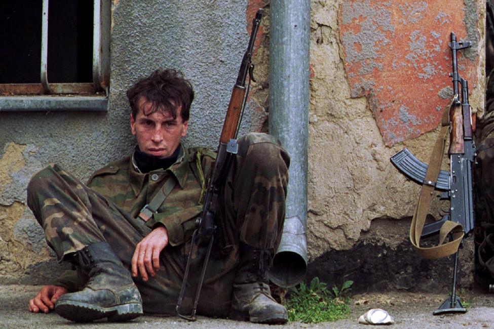 Солдат армии Боснии, 1995год. Фото:  Chris Helgren/ Reuters