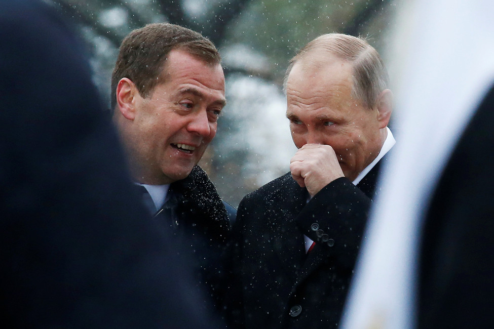 Премьер-министр Дмитрий Медведев ипрезидент России Владимир Путин, 2016год. Фото: Сергей Карпухин/ Reuters