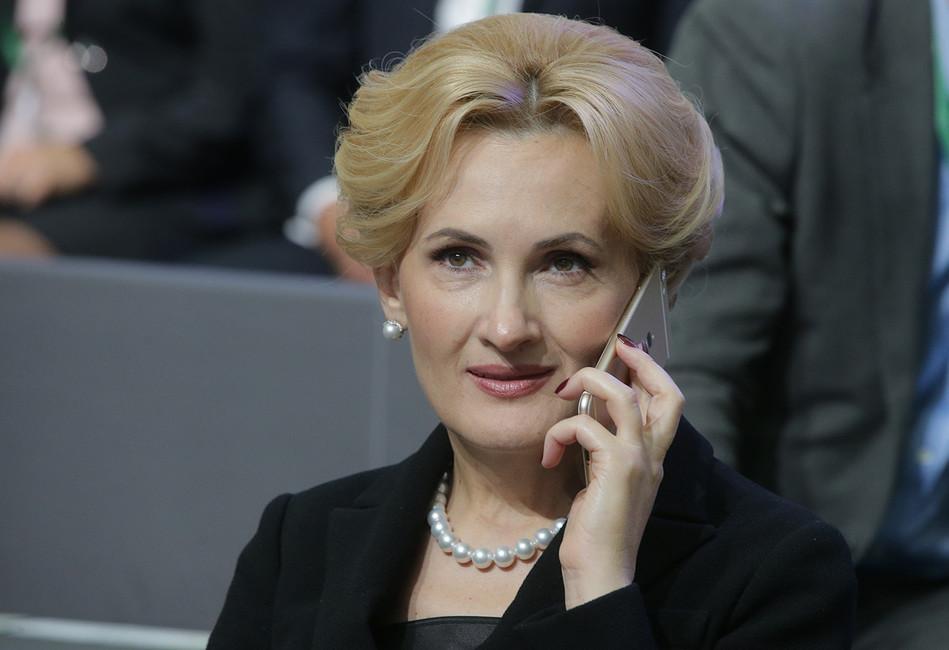 Врамках «пакета Яровой» россияне доложат овсех, кто пользуется ихтелефонами