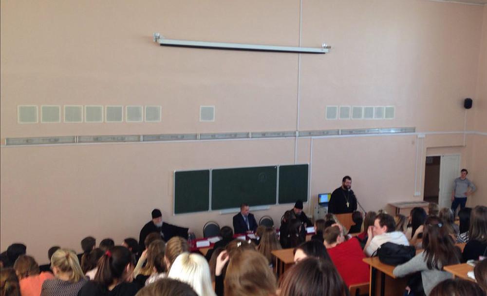 Студентов самарского университета сняли сзанятий ради «антиреволюционной лекции» священников