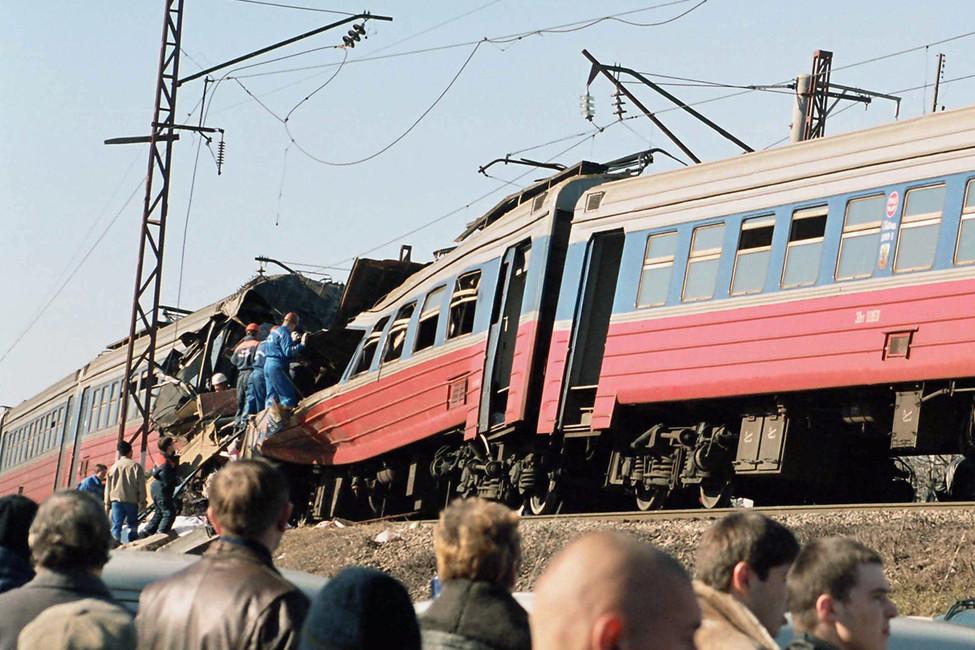 Последствия теракта вэлектропоезде Кисловодск-Минеральные воды. Фото: Григорий Аванян/ ТАСС