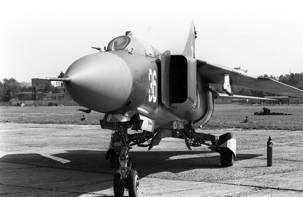 МиГ-23. Фото Владимира Яцины иРомана Денисова/ Фотохроника ТАСС