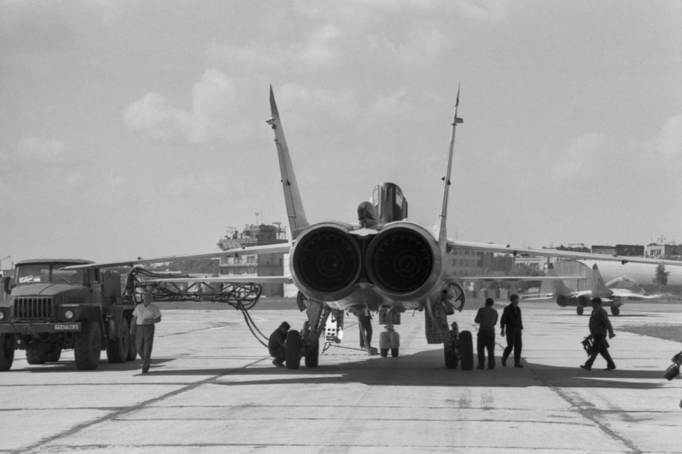 Двухместный истребитель-перехватчик МиГ-31 готовится кполету. Фото: ВладимирЯцина/ Фотохроника ТАСС