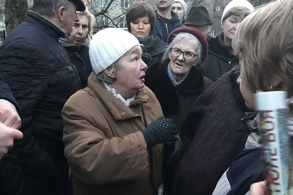 «Уже тошнит отфамилии Собянин»: жители Тимирязевского района обсудили кампанию сноса пятиэтажек