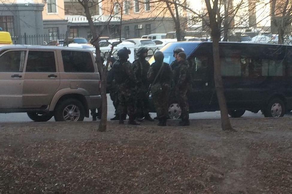 Нападение наприемную ФСБ вХабаровске. Что известно кэтому часу?