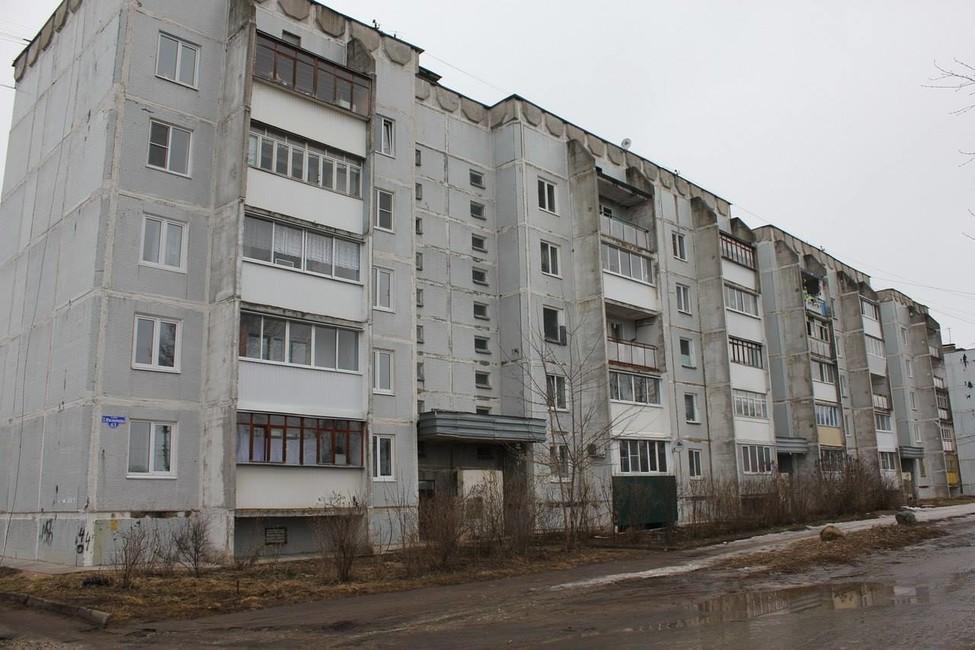 Отжителей аварийной пятиэтажки требуют снести дом засвой счет