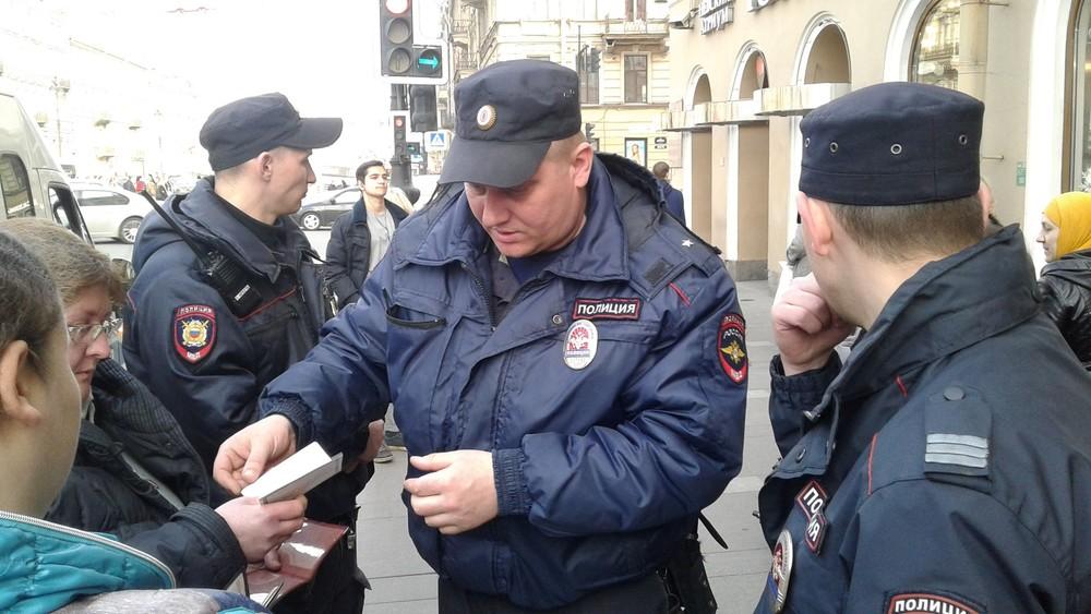 ВПетербурге задержаны 12активистов «Открытой России»