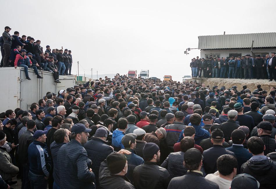 Дагестанские дальнобойщики прекратили забастовку