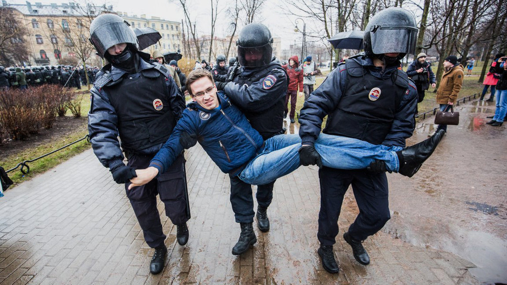 Наакции «Надоел» вПетербурге прошли массовые задержания