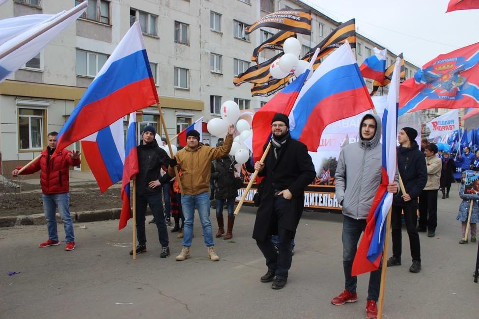 Магадан: НОДовцы атаковали колонну «команды Навального» напервомайском шествии