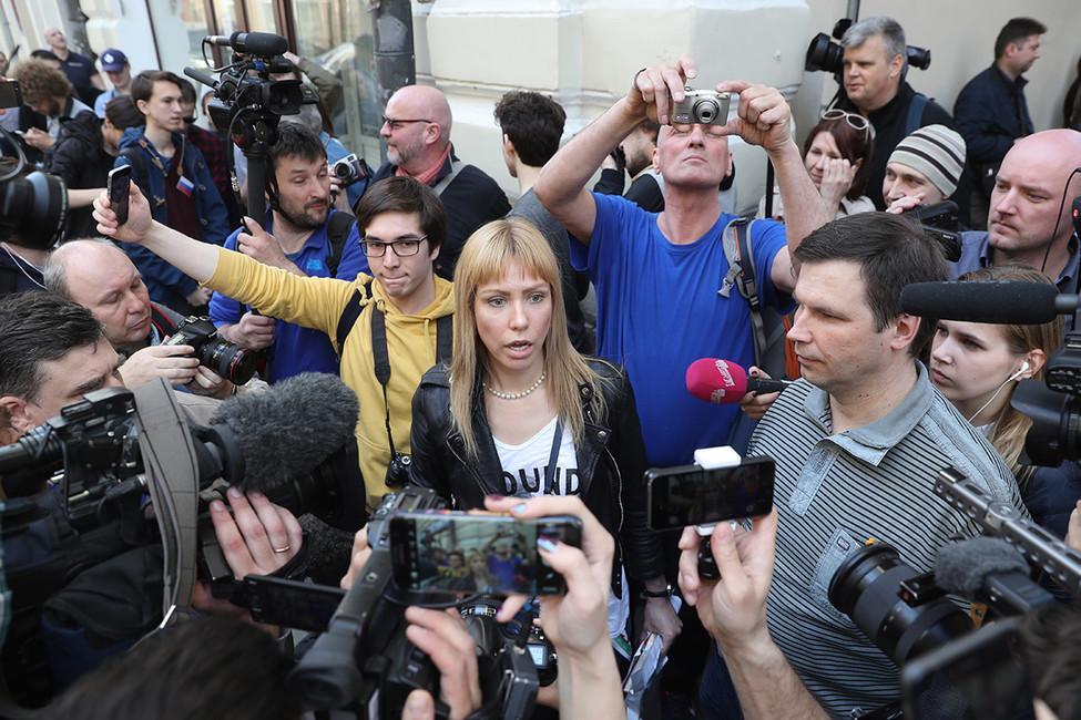 Марию Баронову увезли вОВД после передачи писем Путину