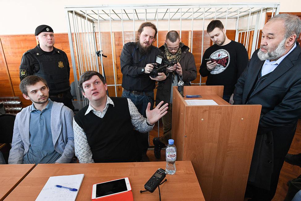 Адвокат Соколовского: «Власть иполиция сделали изРуслана политического заключенного»