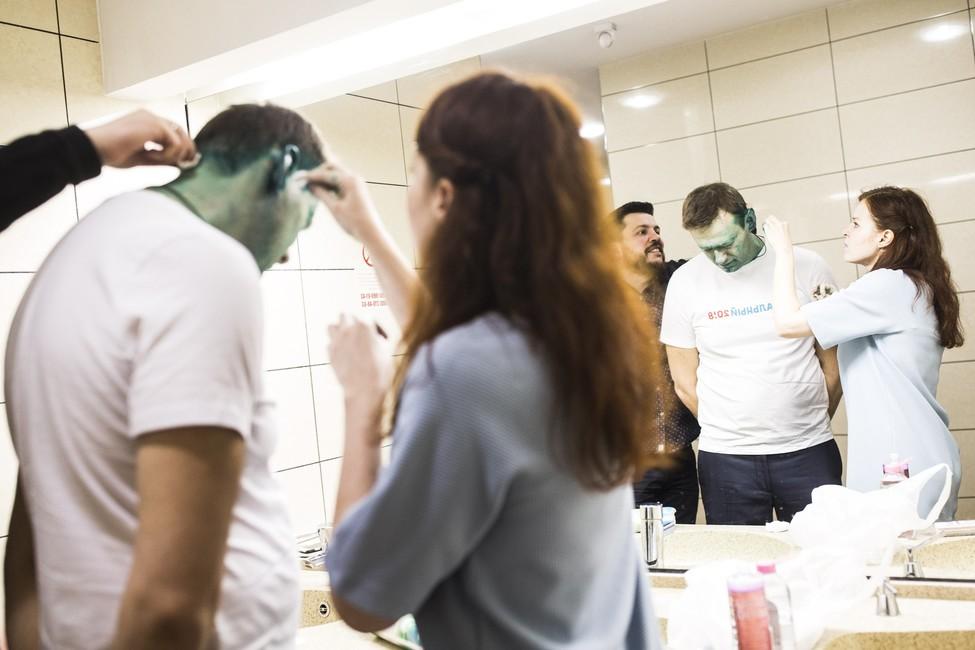 Навальному дали загранпаспорт для лечения глаза зарубежом