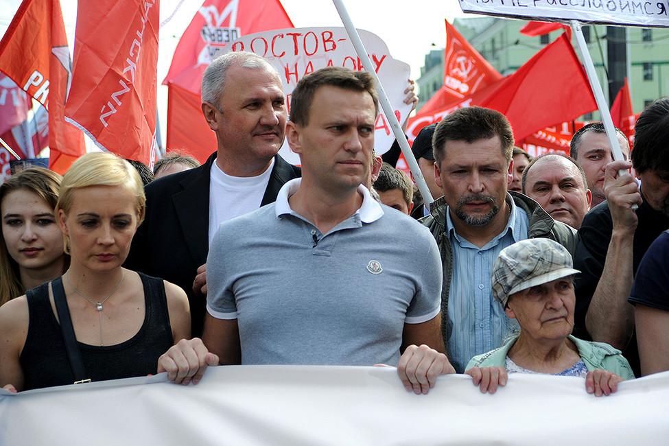 Алексей Навальный (вцентре) вовремя «Марша миллионов», 6мая 2012года. Фото: Василий Шапошников/ Коммерсантъ