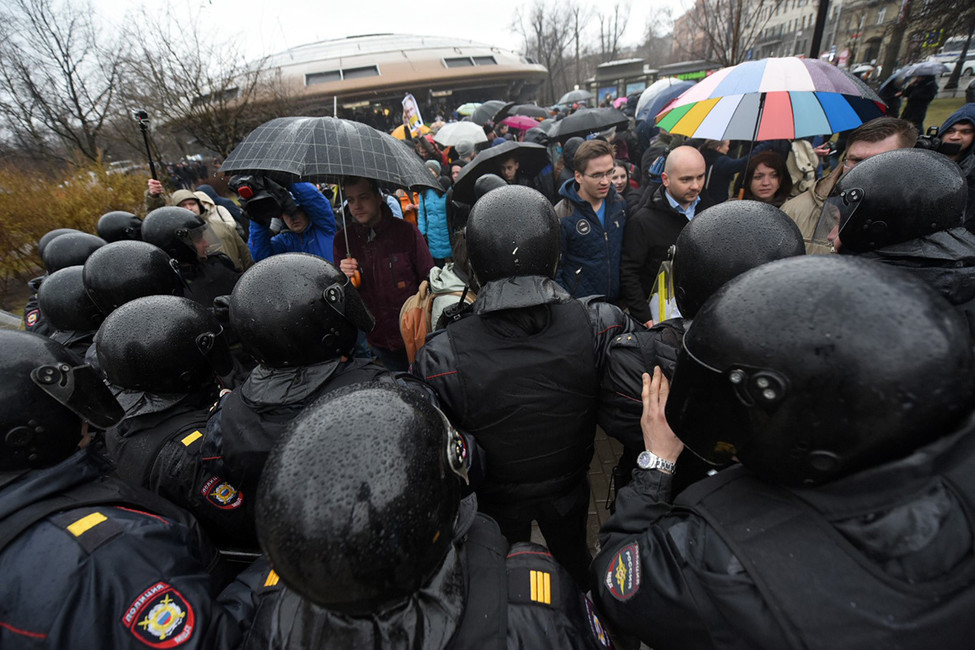 Координатор «Открытой России» Андрей Пивоваров оштрафован заакцию «Надоел» вПетербурге