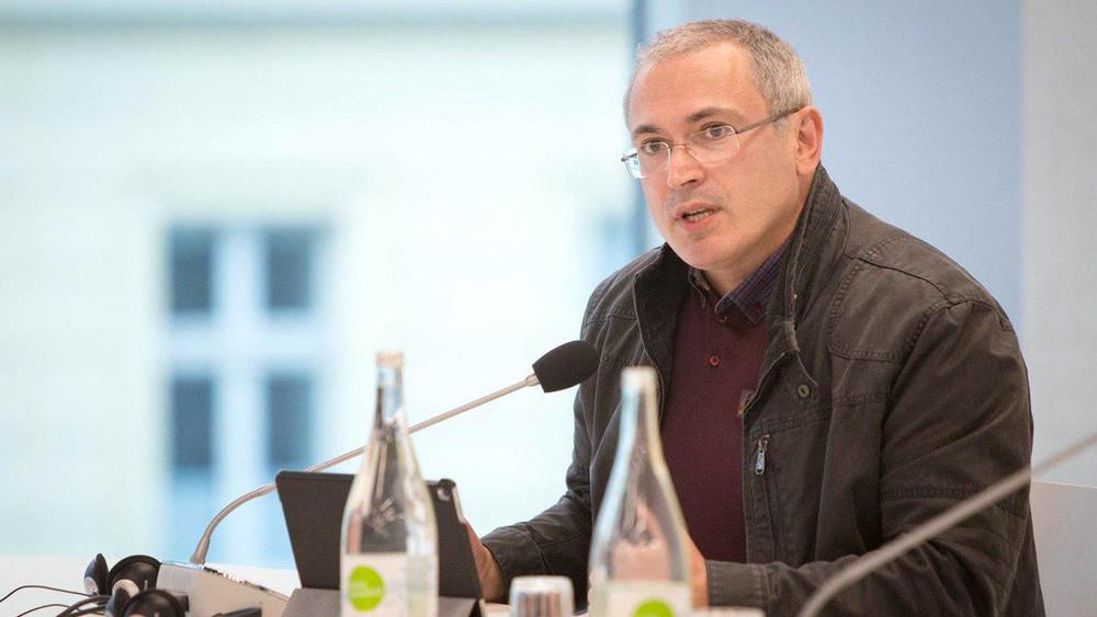 Михаил Ходорковский: «Мыподдерживаем тех, кто борется, кто идет нариск. Иидем нариск сами»