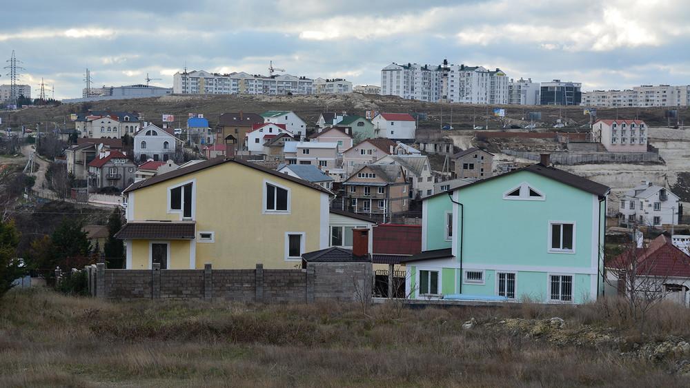 Отборная земля. Утысяч севастопольцев отнимают землю, которую они оформили при украинской власти